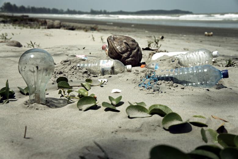 5 façons simples de réduire le plastique dans votre maison