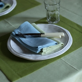 Set de table en lin coloris vert forêt Emilia