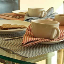 Serviettes de table en lin Jazz Bleues et Rouges